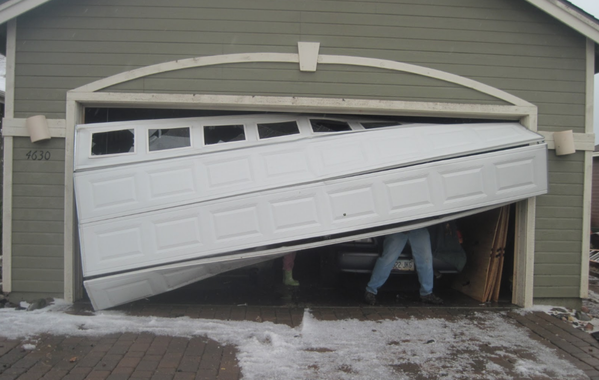 Sights your garage door may need repair